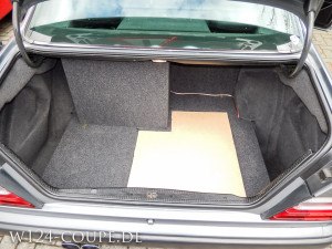 W124 Coupe CarHifi Installation Anlage 035